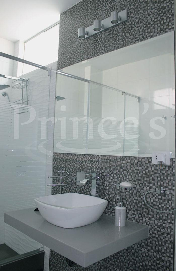 Prince 39 s soluciones en aluminio y cristal puertas para - Espejos biselados para banos ...